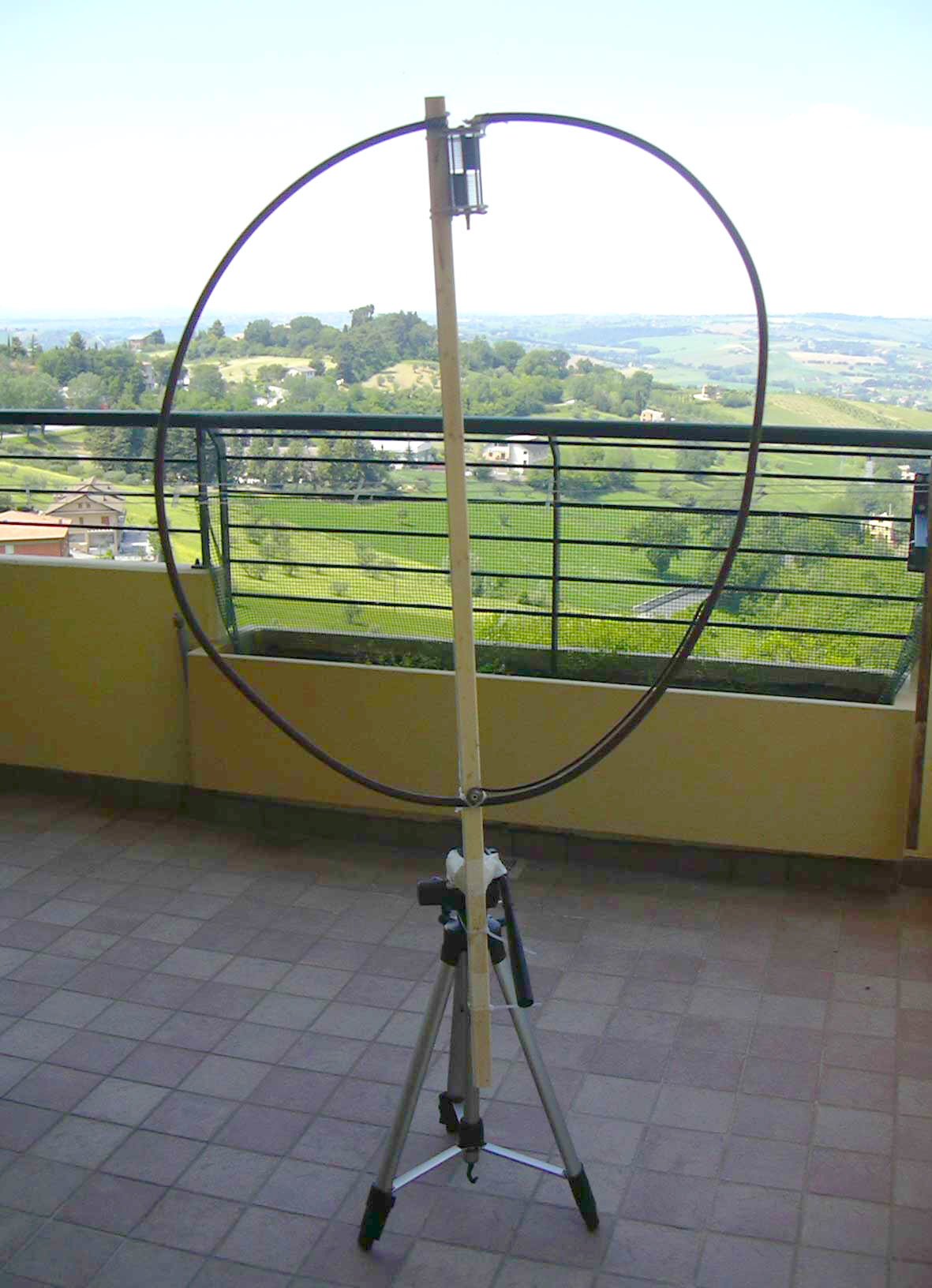 20 Meter Circular Magnetic Loop by Maurizio Malaspina - IW6DFW